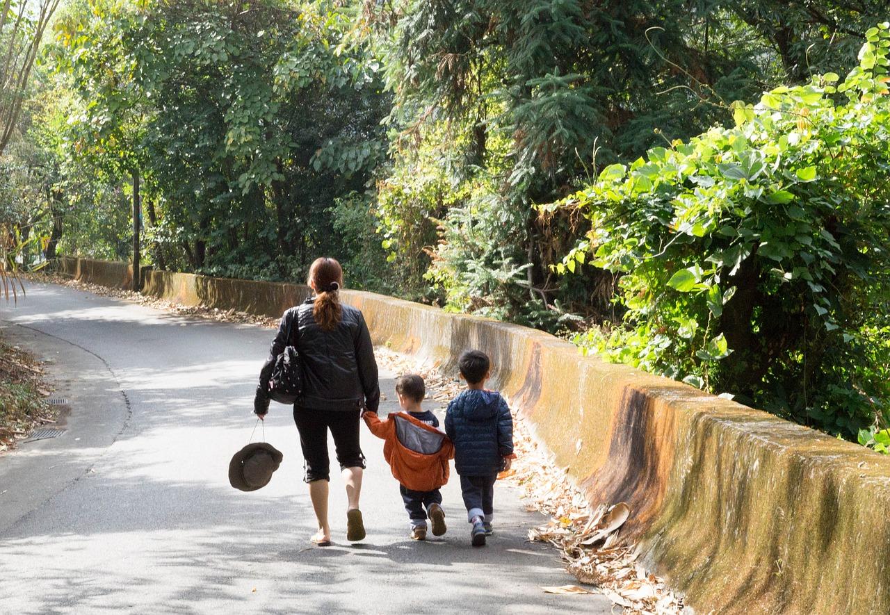 conciliacion madre niños trabajo cruce de caminos relatos relatando